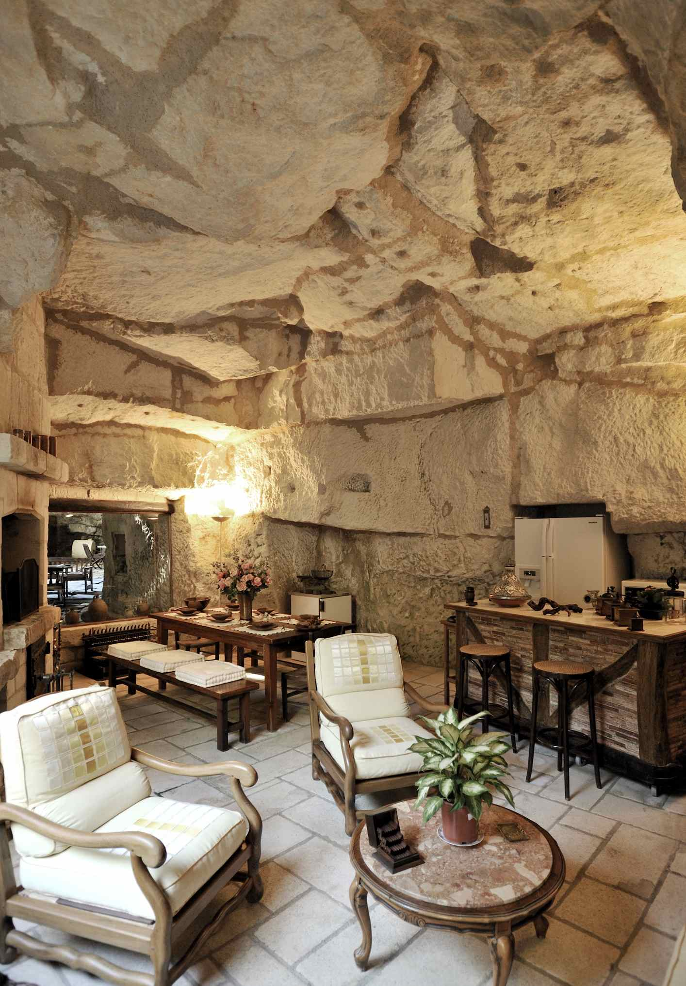 Maison troglodyte on pinterest underground homes caves for Decoration maison occasion