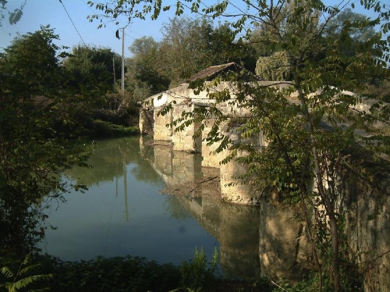 Vente moulin eau sur la ba se dans le gers vic fezensac midi pyr n es moulins vendre - Mamie baise dans le jardin ...